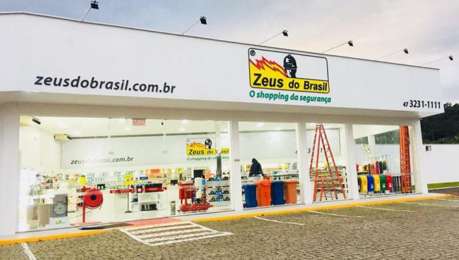 Loja Zeus do Brasil em Blumenau, Santa Catarina na BR470